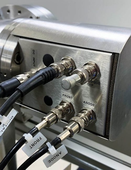 custom-components-flange-mounted-pre-amplifier-intro